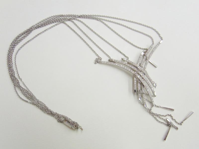 18金ホワイトゴールド(K18WG)のネックレス